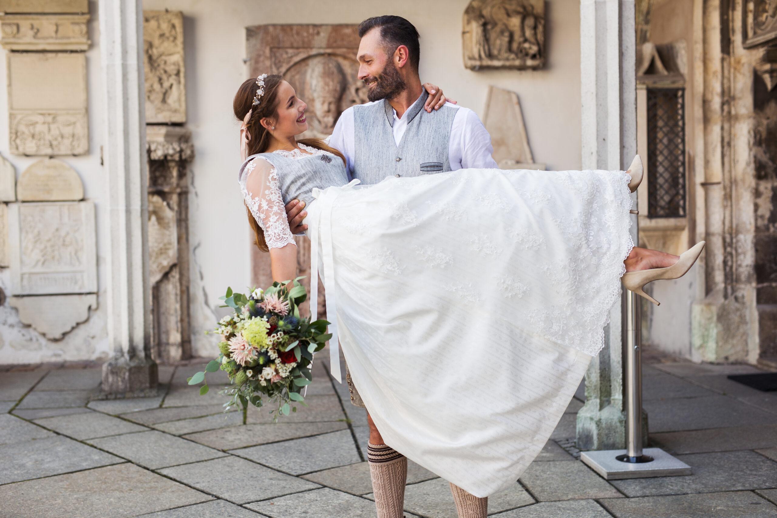 UNSA Design, Hochzeiten im Dirndl und Tracht, Dirndl Modedesign Passau, Bayern