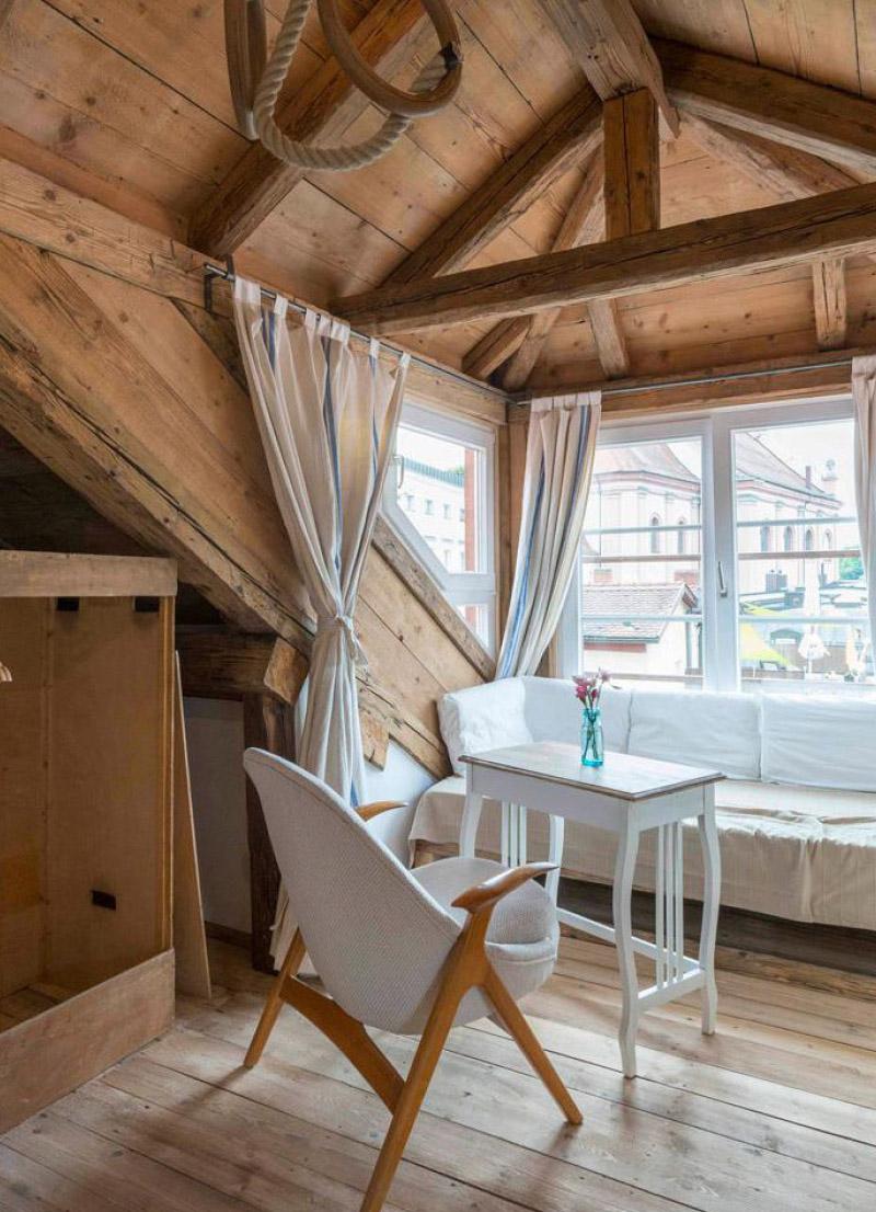 UNSA Design, Pension in Passau, Dirndl Modedesign Passau, Bayern